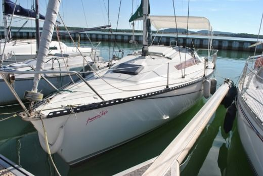 Sailboat Yatching Jouet 26 for hire