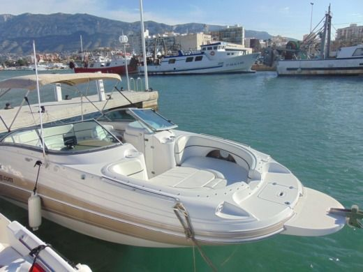 Motorboat Four Winns 228 Funship for hire