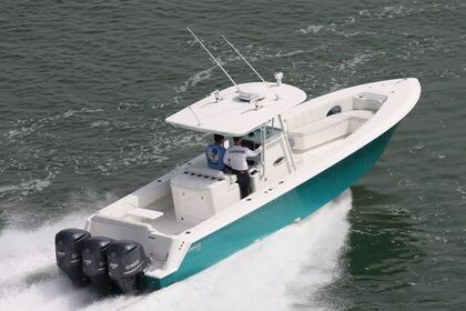 Charter Motorboat Triton 35 Road Town