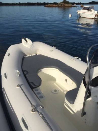 RIB Zodiac Medline 2 C peer-to-peer