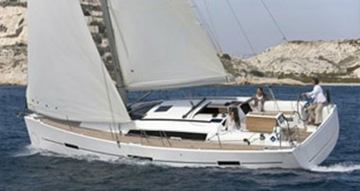 Dufour 410 Grand Large in Malte peer-to-peer