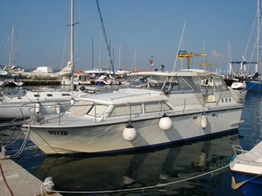 Coronet 31 Capitain a Zadar tra privati