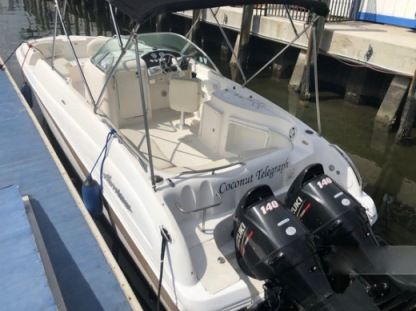 Rental Motorboat Hurricane 26 Sun Deck Fort Lauderdale