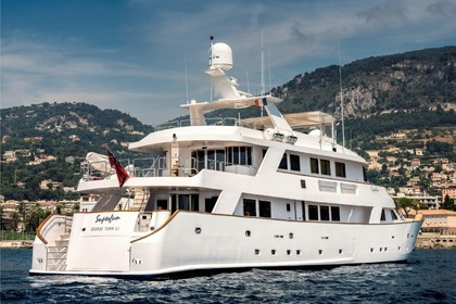 Location Yacht CANTIERI 40m Cannes