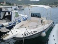 Motorboat Elan 20 Cc for rental