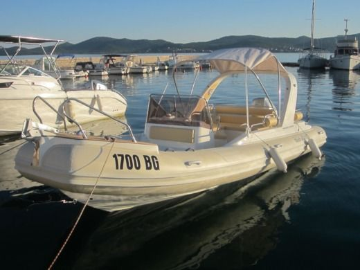 Grginic Yachting Shark Bf 23 in Biograd na Moru