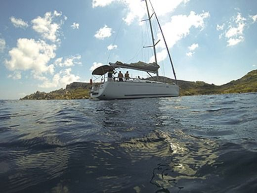 Charter sailboat in Malta peer-to-peer