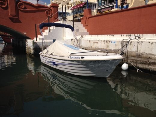Motora Poseidon 510 in Málaga for hire