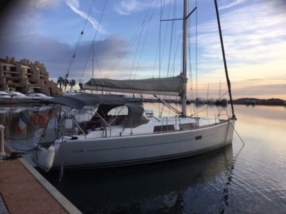 Charter Sailboat Hanse 375 Cogolin