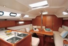 Sailboat Beneteau Oceanis 31