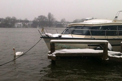 Hire Motorboat BEGE 900 OK Brussels