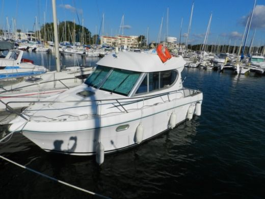 Motorboat Jeanneau Merry-Fisher 805 for hire