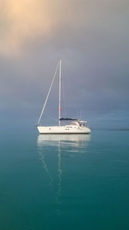 Charter Sailboat Beneteau Oceanis 423 Clipper Fort-de-France Bay