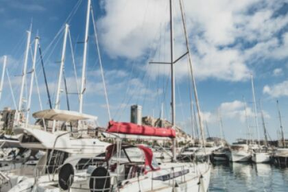 Rental Sailboat Jeanneau Sun Odyssey 439 Alicante