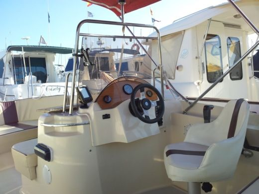 Motorboat Sasanka Yatch Sensacion Viva 600 Open for hire
