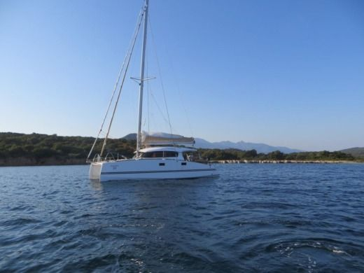 Catamaran Aventura Aventura 33 for hire