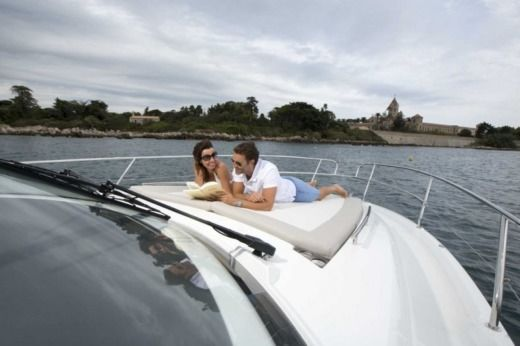 Jeanneau Leader 36 in Golfe-Juan, Vallauris for hire