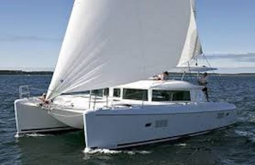Sailboat Lagoon Lagoon 420 for hire