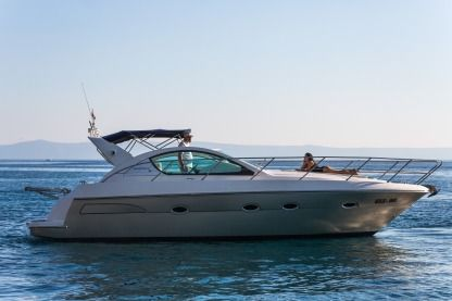 Rental Motorboat Pearlsea Yachts 36 Open Split
