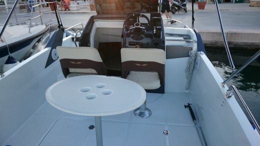 Beneteau 6,6 Sundeck in Vodice for hire