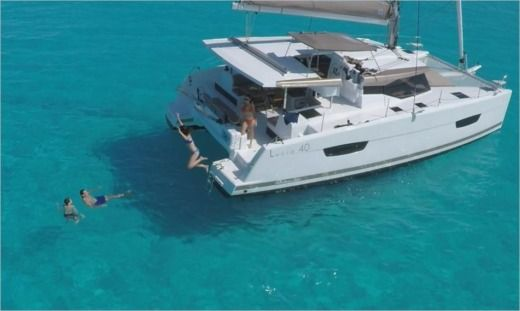 Fountaine Pajot Lucia 40 in Road Town for hire