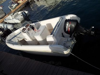 Charter Motorboat Resina Open Palermo