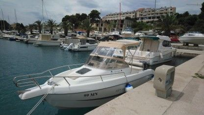 Charter Motorboat Sessa Key West 20 Milna