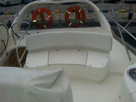 Motorboat Cranchi Atlantique 48 peer-to-peer