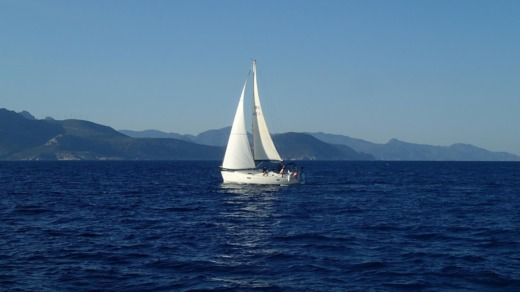 Charter sailboat in Cogolin peer-to-peer