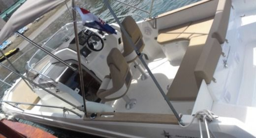Motorboat Jeanneau Cap Camarat 755 Wa for rental