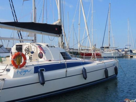 Catamaran Fontaine Pajot Xantigua 37 peer-to-peer