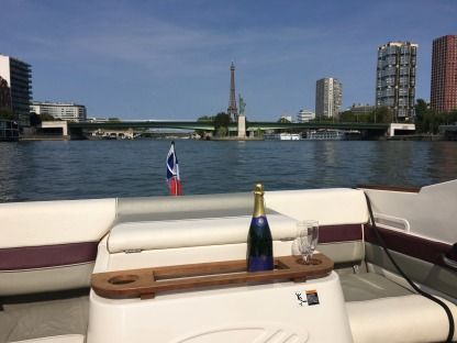 Rental Motorboat Maxum S2000 Paris