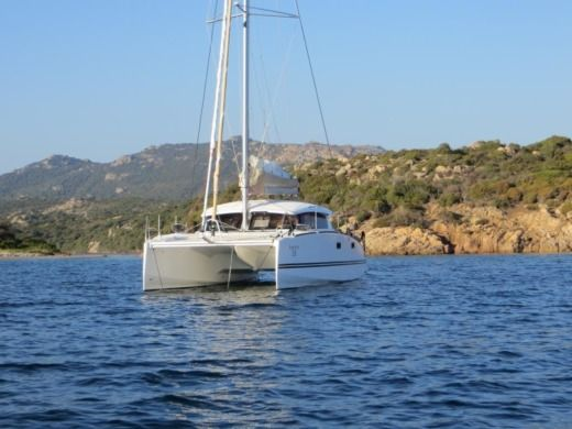 Charter catamaran in Bonifacio peer-to-peer