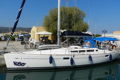 Hire Sailboat JEANNEAU SO 42i Lefkada