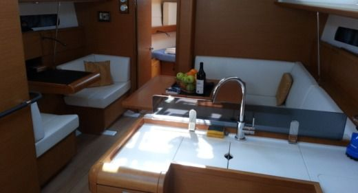 Jeanneau Sun Odyssey 409 in Bar peer-to-peer