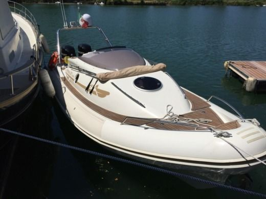 RIB NUOVA JOLLY Prince 27 Sport Cabin for hire