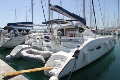 Rental Catamaran Lavezzi 40 Rodney Bay