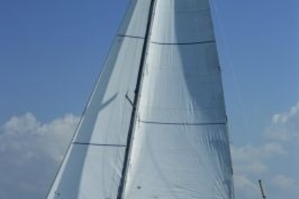 Charter Sailboat BENETEAU FIRST 31.7 Granville