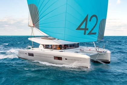 Hire Catamaran LAGOON 42 Port Grimaud