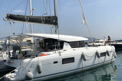 Rental Catamaran LAGOON 42 Naples