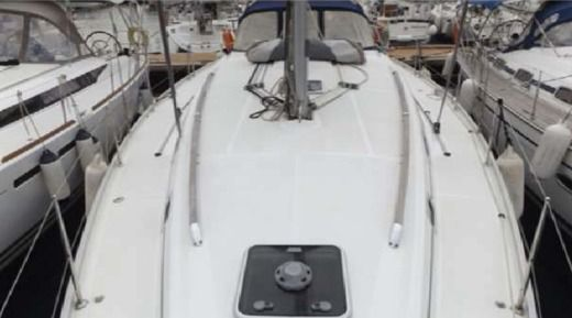 Beneteau Cyclades 43.4 in Malta for hire