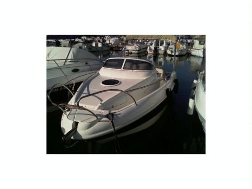 Motorboat Lexsia Xs20i peer-to-peer