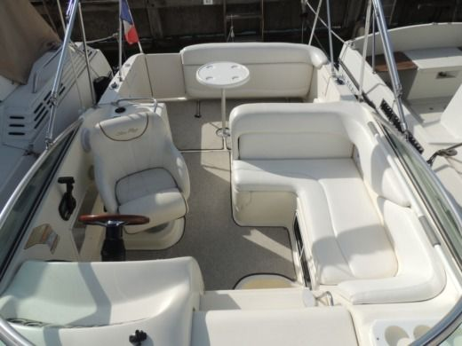 Sea Ray Sundancer 260 in Mandelieu-la-Napoule zwischen Privatpersonen