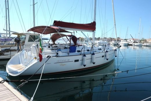 Beneteau Oceanis Clipper 411 in Portoscuso for hire