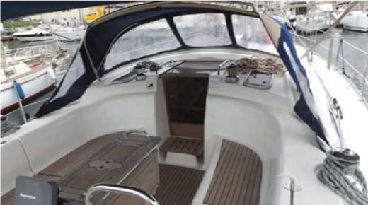 BAVARIA 42 Cruiser in Malte for hire