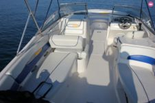 Motorboat Bayliner 160 for hire
