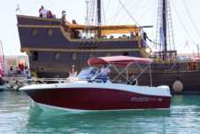 Motorboat Atlantic Marine 655 for hire