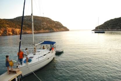 Rental Sailboat Bavaria 37 Sifnos