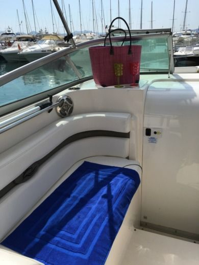 RINKER 260 EXPRESS CRUISER a Cannes tra privati