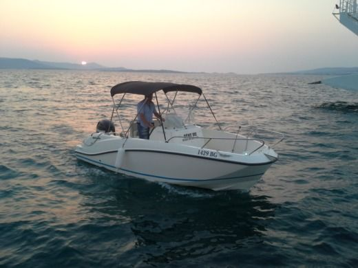 QUICKSILVER ACTIV 555 OPEN in Biograd na Moru peer-to-peer